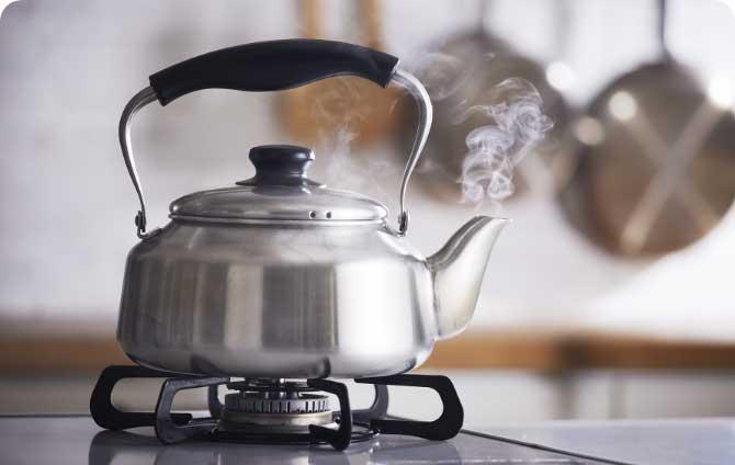 調理前の準備 まずは熱湯100ccをご用意ください。